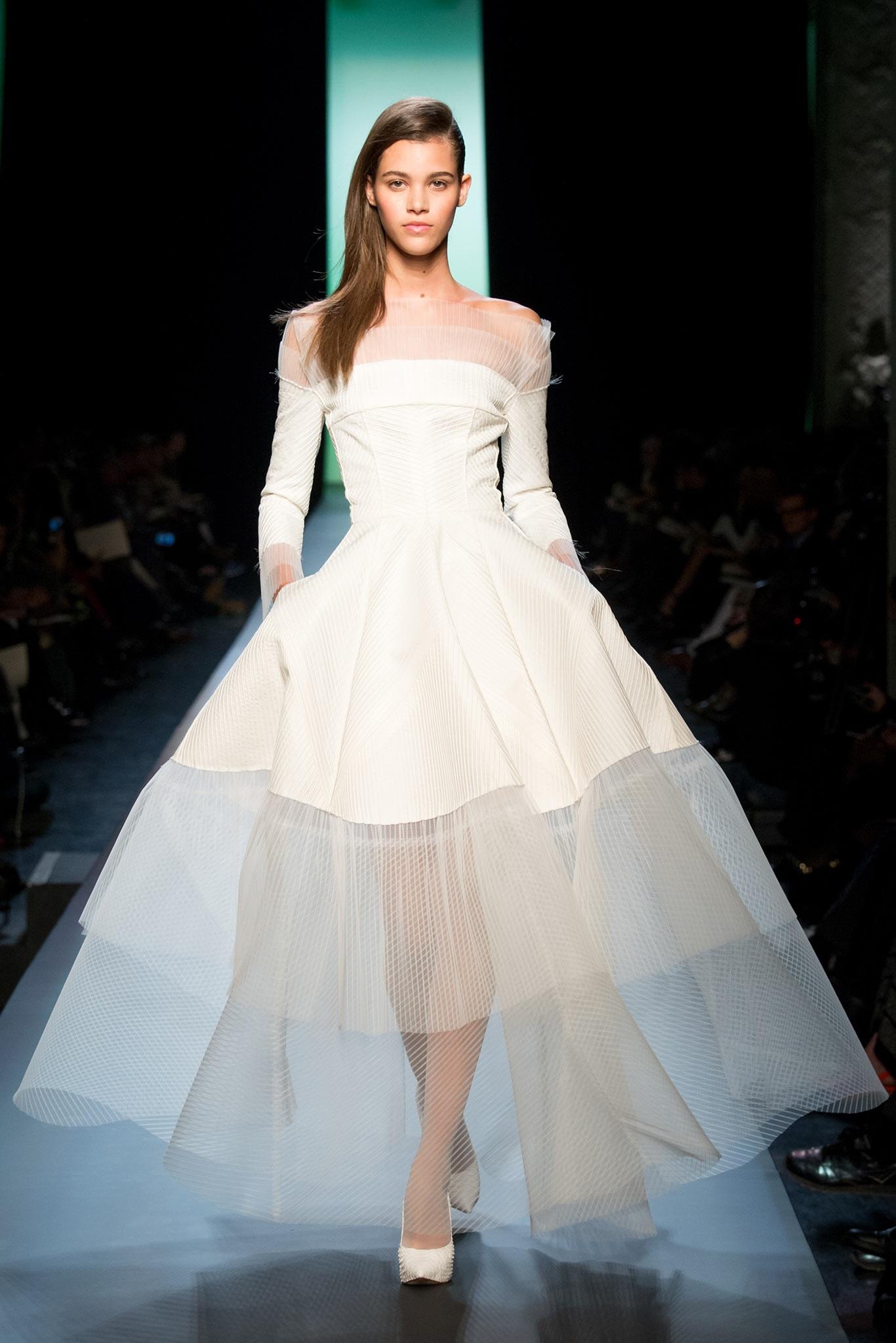 Haute couture le r jouissant mariage pour tous de jean Wedding dress design jobs