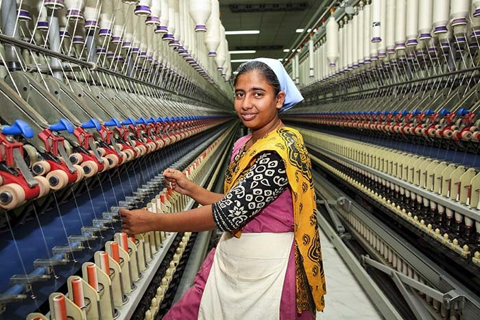 Myanmar: Ist 14 alt genug zum Arbeiten? Sind H&M & Co. schuld?