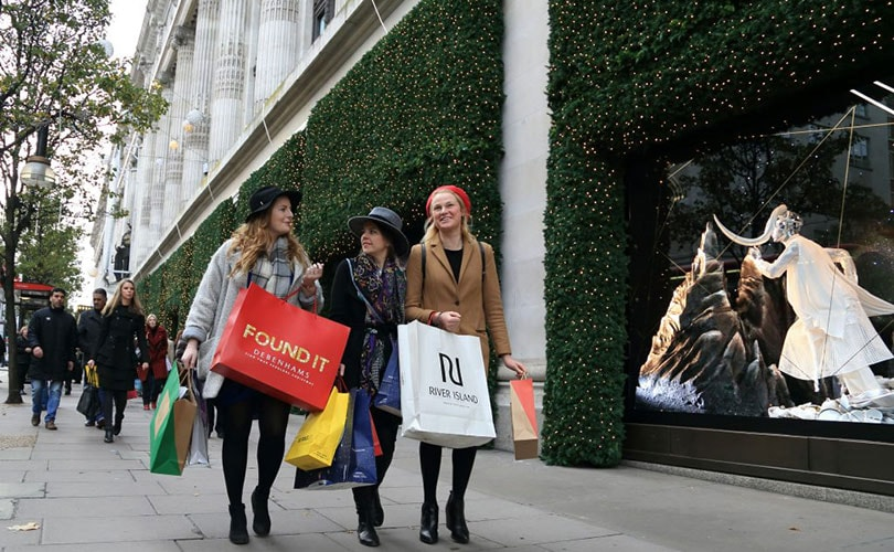 2016 consumer spending on experience rather than fashion says report