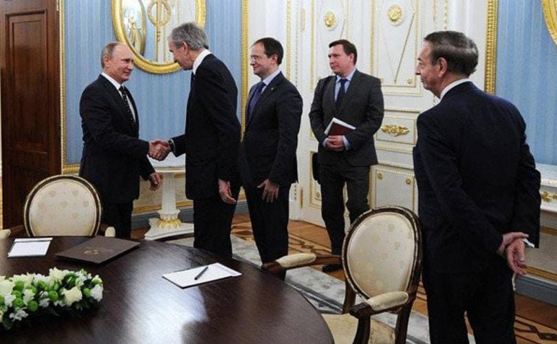 Путин встретился с главой Louis Vuitton