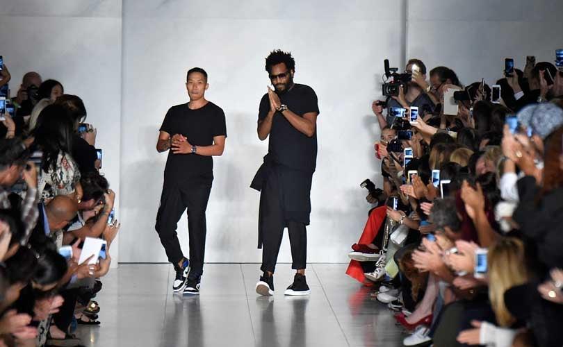 Los directores creativos de DKNY abandonan la firma