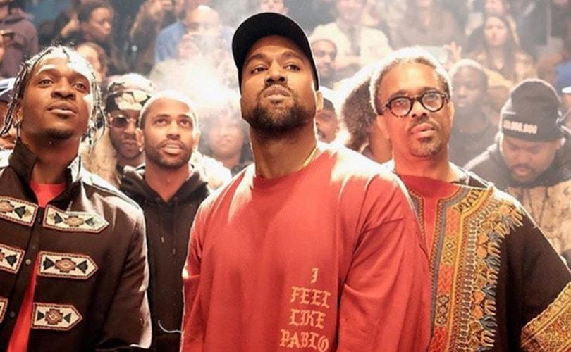 Kanye West toont Yeezy 3 op New York Fashion Week