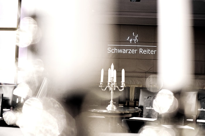 Schwarzer Reiter BLCKLBL: Devoted to Style