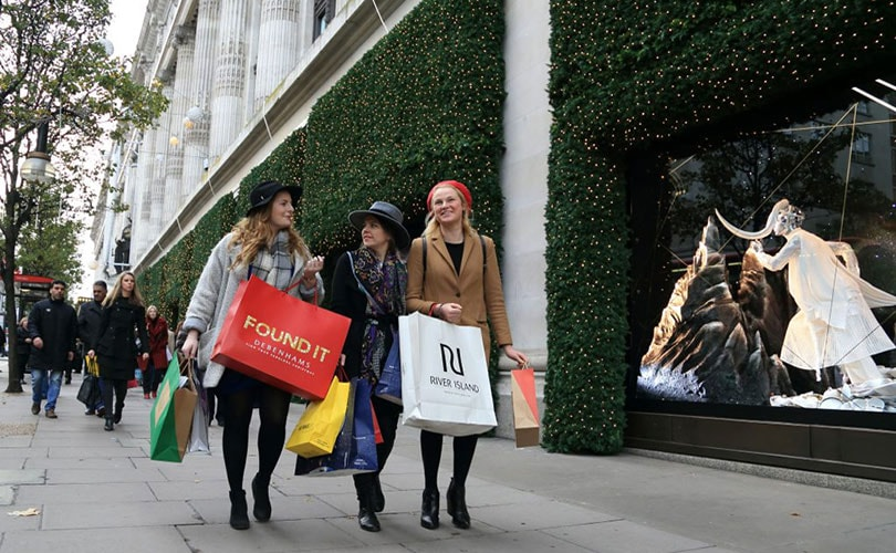 Footfall drops 23.8 percent across New Year's weekend