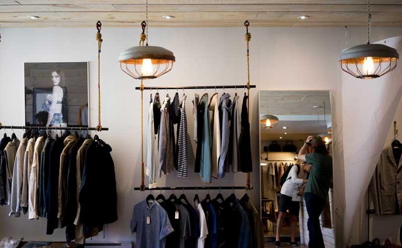 La part du budget des Français consacrée aux vêtements en baisse continue depuis 1960