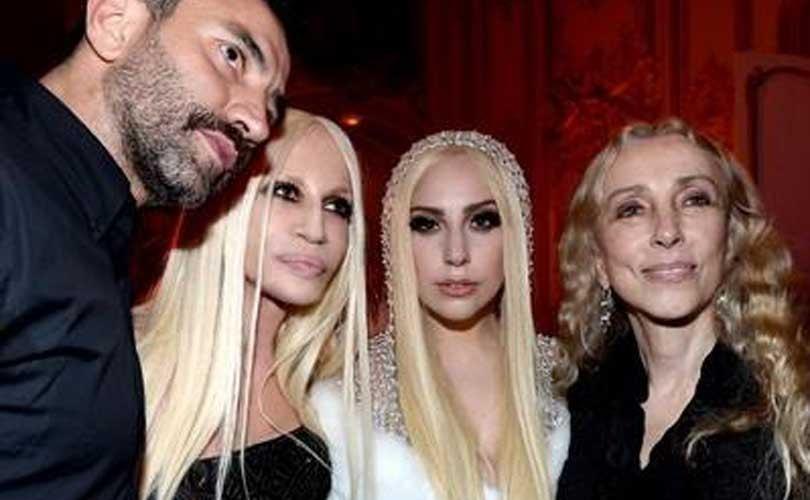 Versace stelt beursgang uit, zet zinnen op Riccardo Tisci