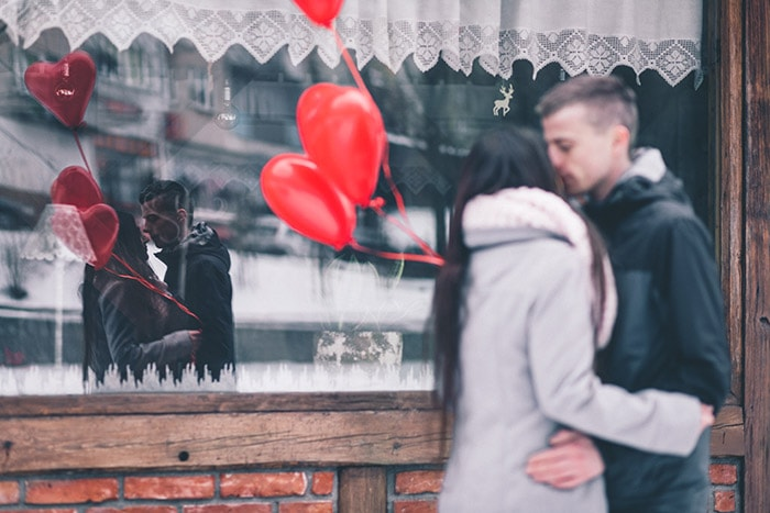 Men continue to outspend women on Valentine's Day gifts