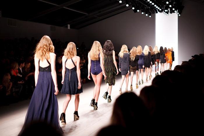 Dit zijn de 20 Fashion Weeks die het meeste geld opleveren